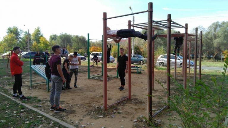 Для развития массового спорта, лидеры движения «Workout Spirit» посещают спорт.площадки районных центров (Рыбница, Григориополь, Дубоссары)